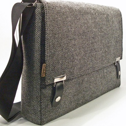 Funchico.com - Funky, Chic & Cool Laptop Bag News: Messenger Bag