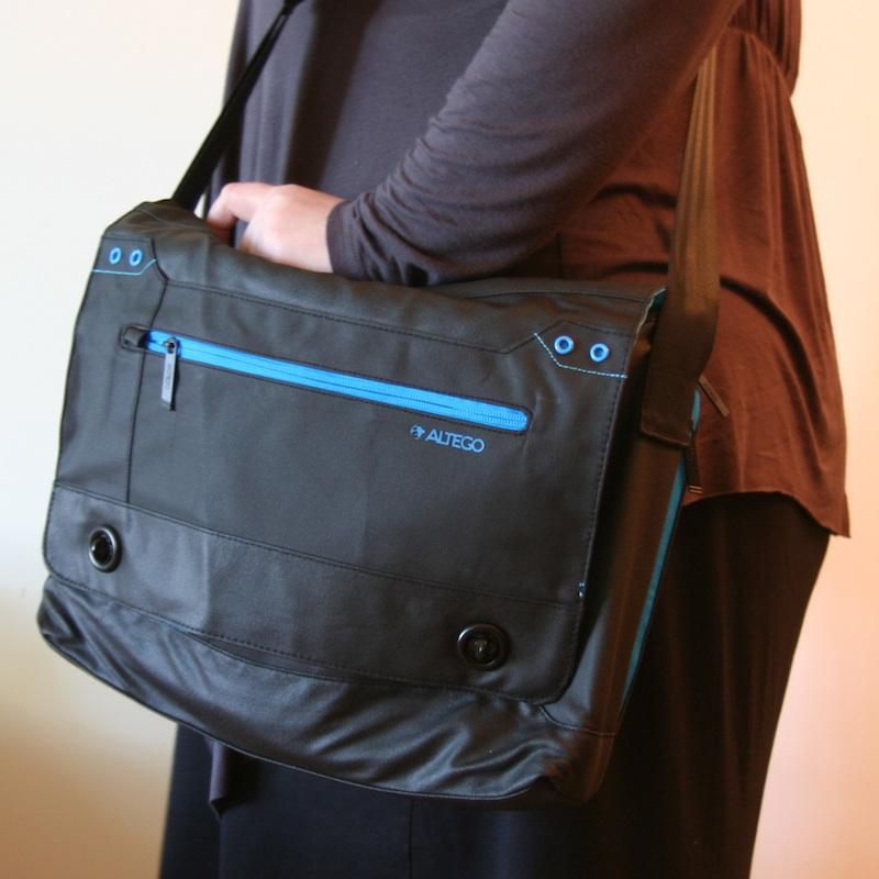 Altego Messenger Laptop Bag